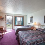 Double beds in room at Sequim West Inn